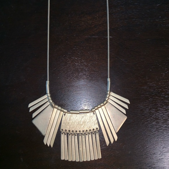 Jewelry - 💛GOLD STATEMENT NECKLACE💛 like new